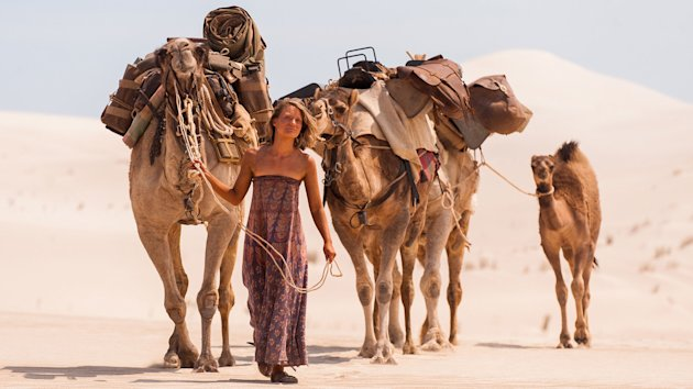 Mia Wasikowska in 'Tracks' (The Weinstein Company)
