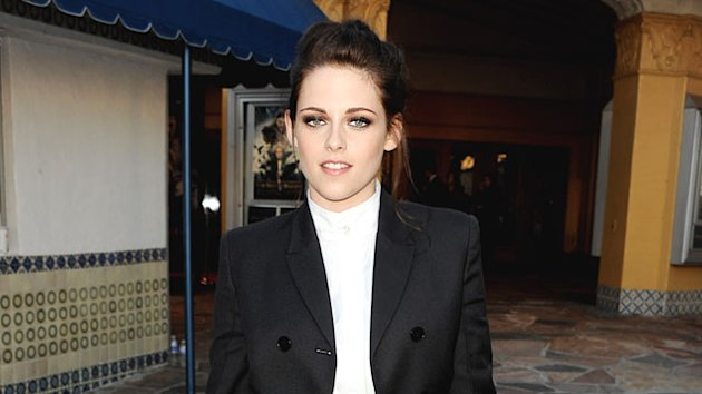 Kristen Stewart Apologizes for Cheating