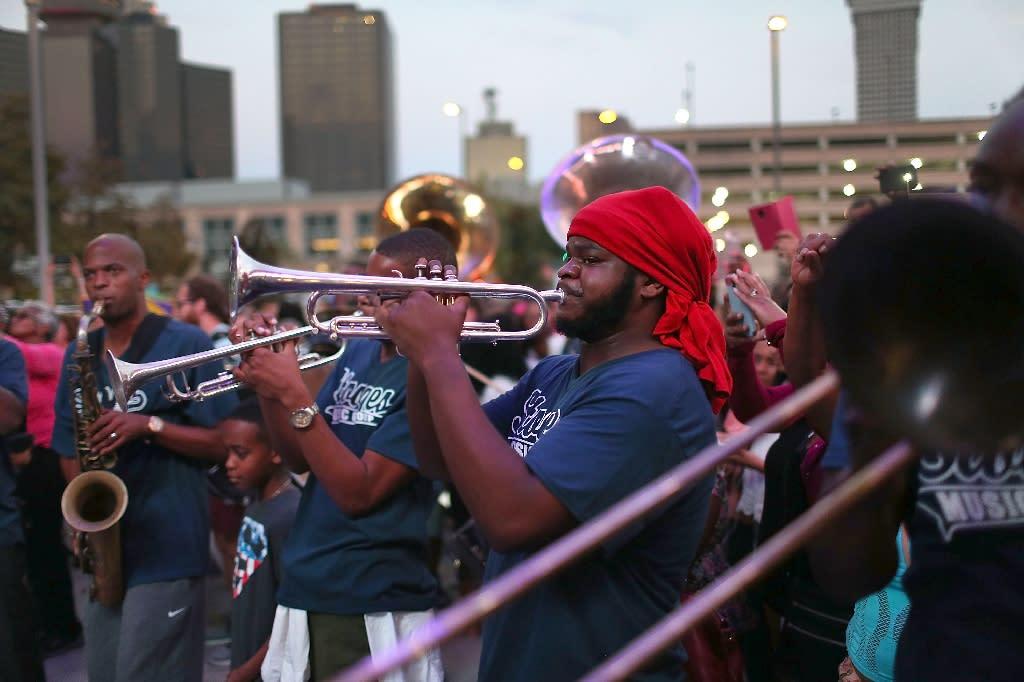 New Orleans mourns dead, celebrates life on Katrina anniversary