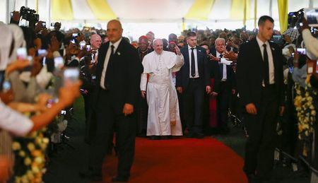 Pope, in Africa, says failure of climate summit would be catastrophic