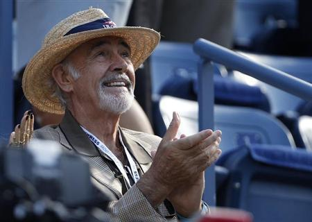 Actor Sean Connery awaits the start of the U.S. Open men's final match between Serbia's Novak Djokovic and Britain's Andy Murray in New York, September 10, 2012. REUTERS/Adam Hunger/Files