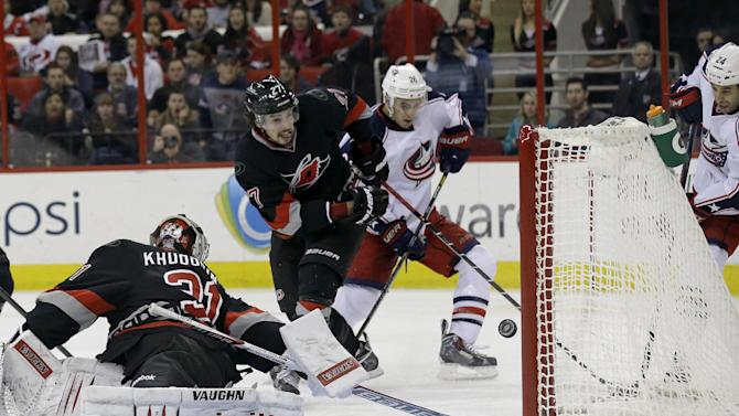 Eric, Jordan Staal lift Hurricanes over Columbus