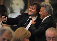 Jack Black y Dustin Hoffman se toman una foto juntos durante el almuerzo anual de la Asociacin de la Prensa Extranjera de Hollywood, el jueves 9 de agosto del 2012 en Beverly Hills, California. (Foto por Jordan Strauss/Invision/AP)