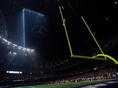 Power Outage Stops Game at Super Bowl