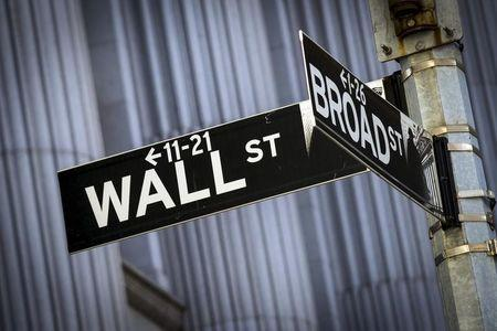 Wall St. declines after data; automakers fall