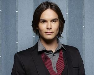 Pretty Little Liars Spin-Off Scoop: Ravenswood Adds Rosewood Vet Tyler Blackburn