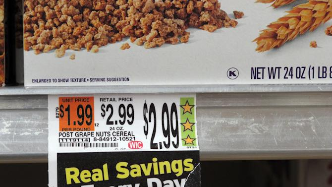 Hannaford grocery stores feature the company's Guiding Stars rating system, as shown on a cereal price tag at a South Portland, Maine, store on Wednesday, Oct. 23, 2013. A new study by researchers with the U.S. Department of Agriculture, the Food and Drug Administration and the University of Florida suggest that the rating system steers shoppers toward healthier choices in grocery stores. (AP Photo/Clarke Canfield)