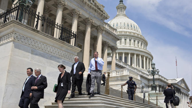 US budget deficit shrinks 35 pct. from last year