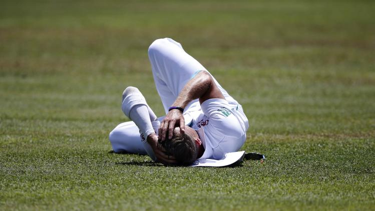 South Africa's Steyn reacts after dropping a catch hit by Sri Lanka's Dickwella during the second day of their second test cricket match in Colombo