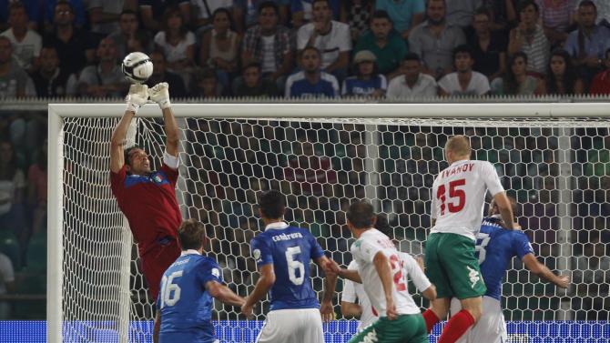 Italy's Buffon to match Cannavaro's record
