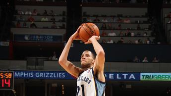 Balanced Grizzlies beat Hornets 96-85