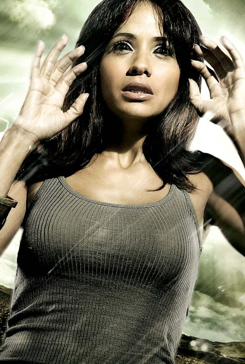 Dania Ramirez stars as Maya Herrera in Heroes. 