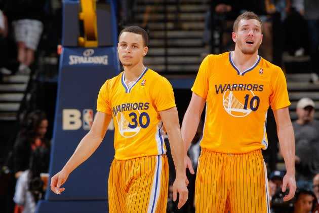 Stephen Curry and David Lee look thrilled to wear sleeves (Rocky