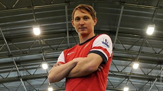 Swedish international midfielder Kim Kallstrom has joined Arsenal (Photo: Arsenal.com)