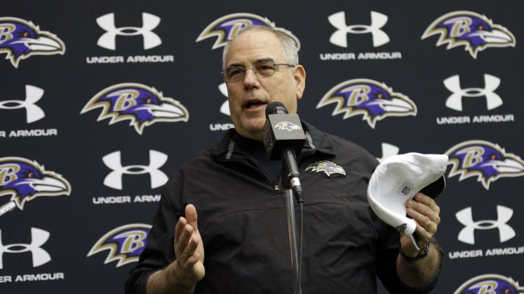 Baltimore Ravens defensive coordinator Dean Pees speaks at a news conference at the team's training facility in Owings Mills, Md., Friday, Jan. 25, 2013. The Ravens are scheduled to face the San Francisco 49ers in NFL football's Super Bowl XLVII in New Orleans on Sunday, Feb. 3. (AP Photo/Patrick Semansky)