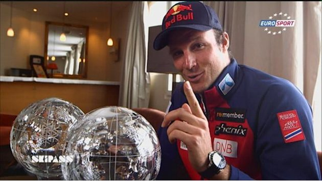 Alpine Skiing - Svindal shows off Crystal Globes