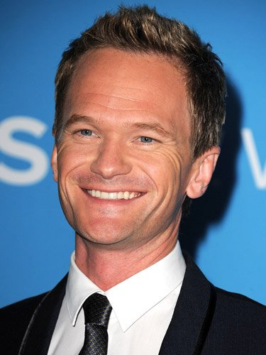 Neil Patrick Harris Performs Magic Tricks