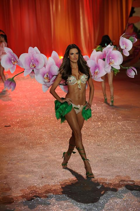 Victoria's Secret 2012 Fashion Show Runway - Show