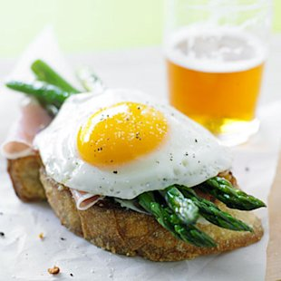 Parmesan Toasts With Asparagus, Proscuitto, and Eggs
