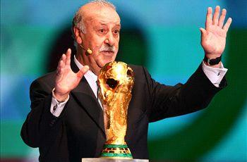 Spain can create World Cup history - Del Bosque