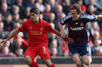 Pulis: Suarez should be banned for diving