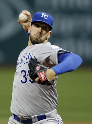 Shields, Moustakas lead Royals past Indians 8-2