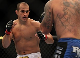 Junior dos Santos squares off with Frank Mir at UFC 146. (Getty)