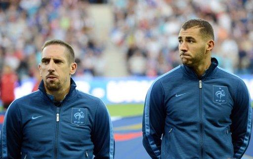 French forwards Franck Ribery (L) and Karim Benzema