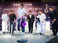 Yao Ming goes golfing with Eric Tsang