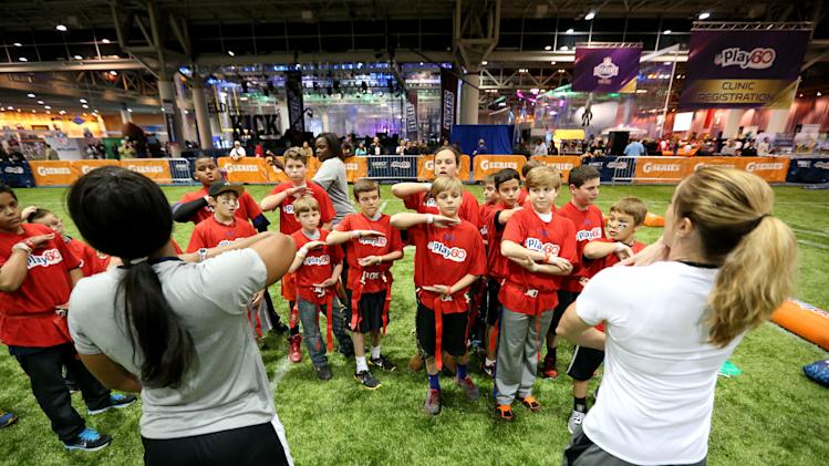 NFL: Super Bowl XLVII-NFL Play 60 Youth Football Clinic