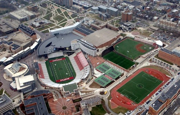 17 Insanely Expensive College Athletic Training Facilities