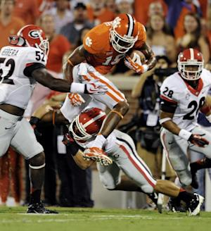 Boyd's 5 TDs lead No. 8 Clemson to 38-35 win