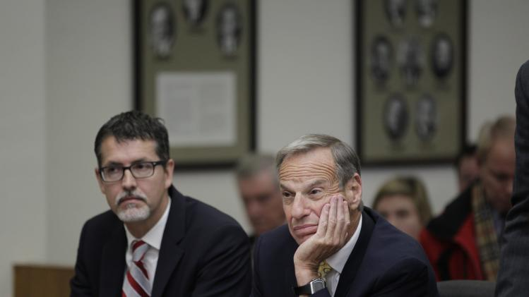 Former San Diego Mayor Bob Filner is pictured with Earll Pott a member of his defense team during his sentencing hearing in San Diego