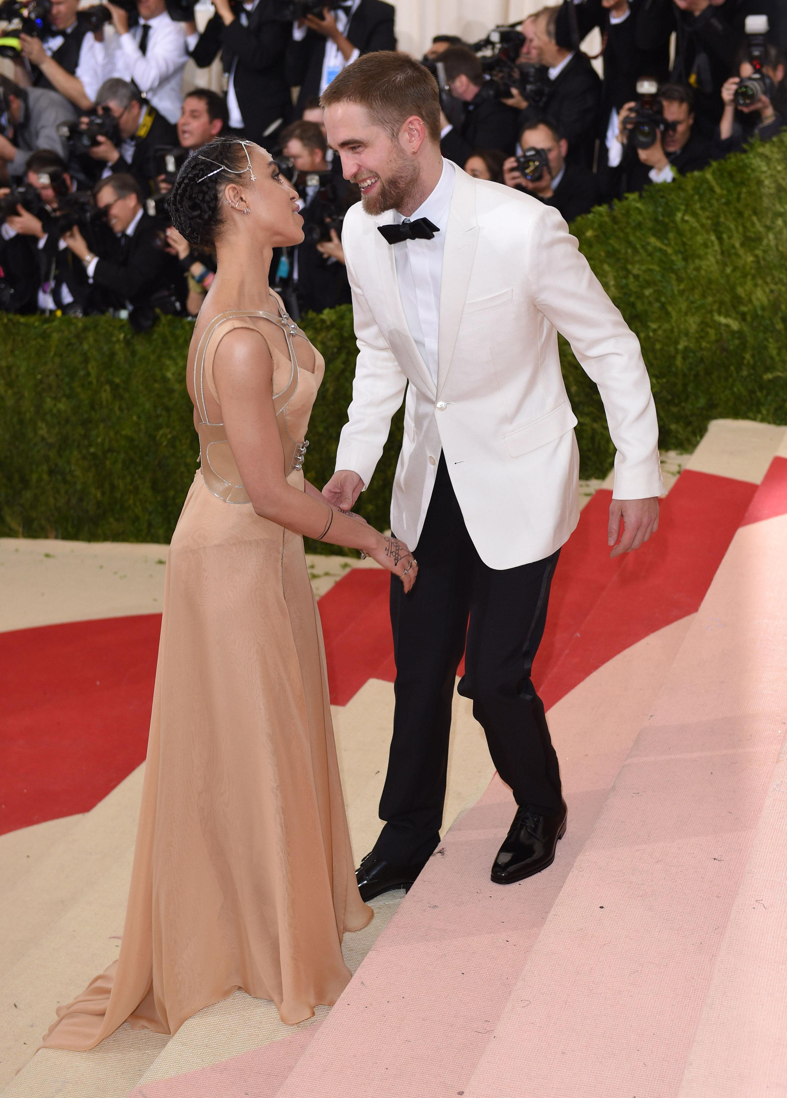 12 Adorable Photos of Robert Pattinson and FKA twigs at the Met Gala