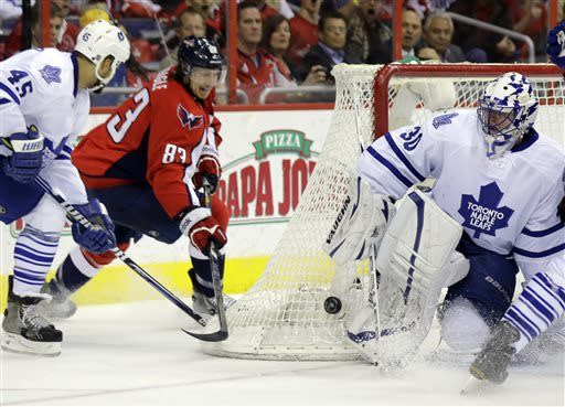 Capitals win 8th straight, beat Maple Leafs 5-1