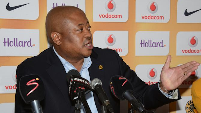 kaizer chiefs unveil new signings yahoo sports