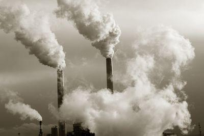 Report: EPA may weaken its carbon rules for new power plants