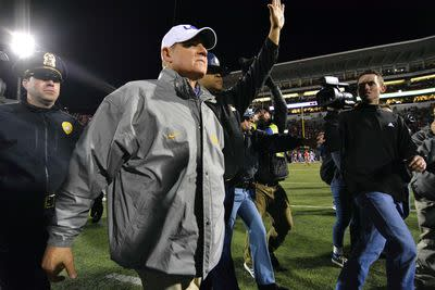 Les Miles will coach LSU against Texas A&M today. Any longer than that, though?