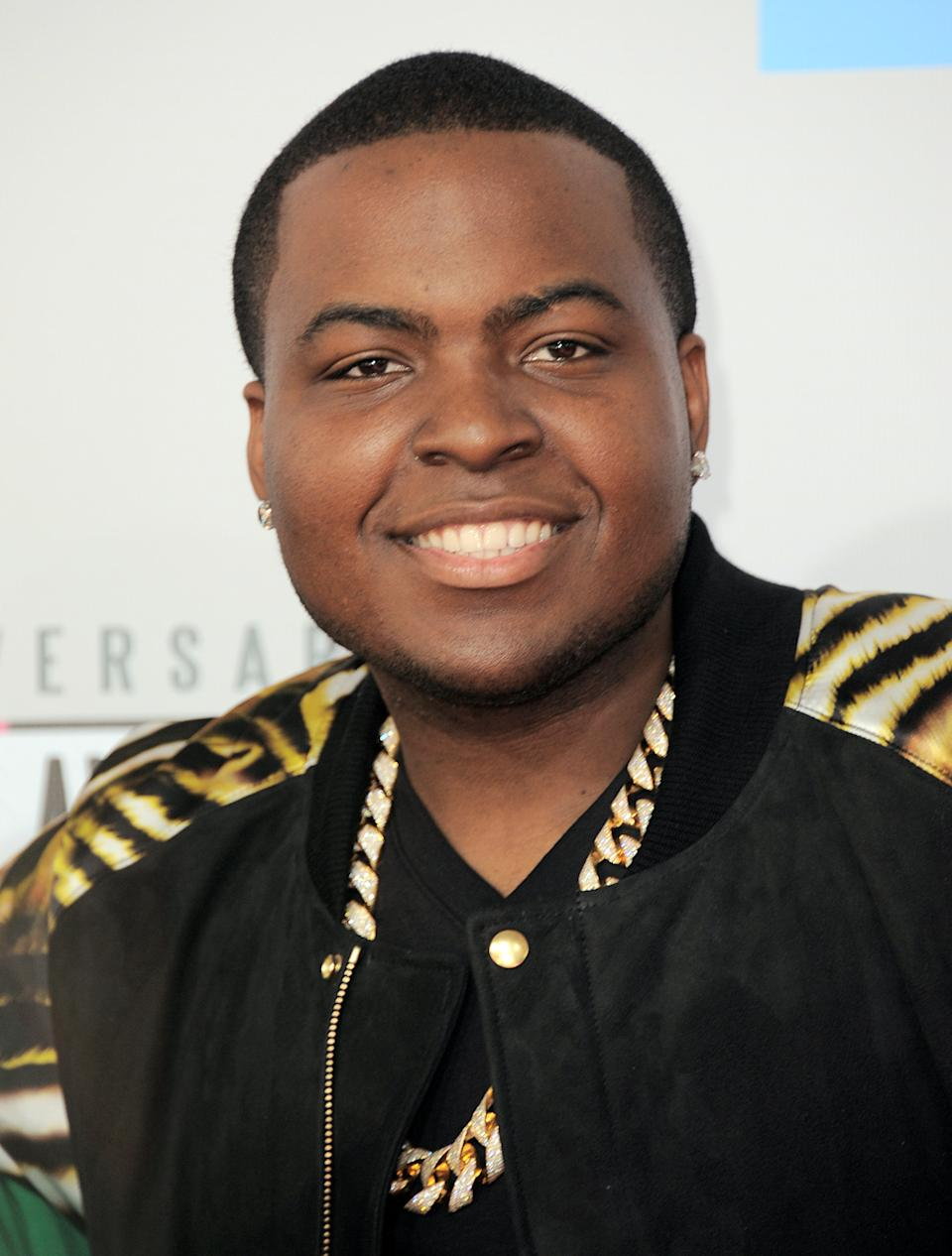 "FILE - In this Nov. 18, 2012 file photo, Sean Kingston arrives at the 40th Anniversary American Music Awards in Los Angeles.  ""MTV's Club NYE 2013"" will feature performances from Ke$ha, Ne-Yo, Sean Kingston, Rita Ora and others.  (Photo by Jordan Strauss/Invision/AP, File)"