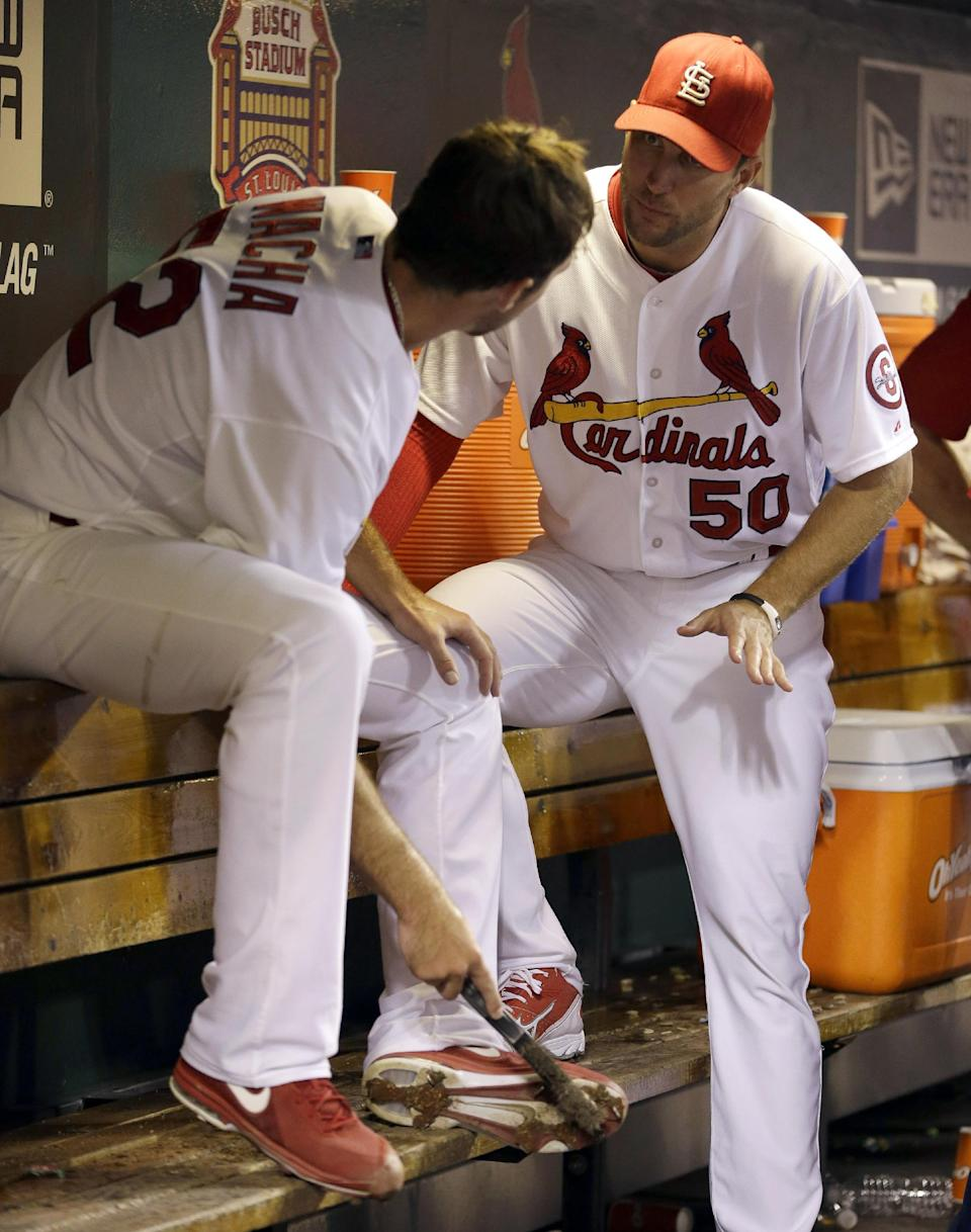 Cards' Wacha loses no-hit bid with 2 outs in 9th