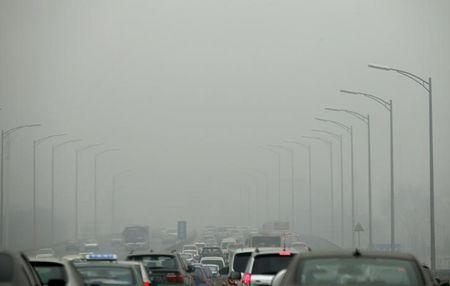 Beijing to limit motorists on heavily polluted days