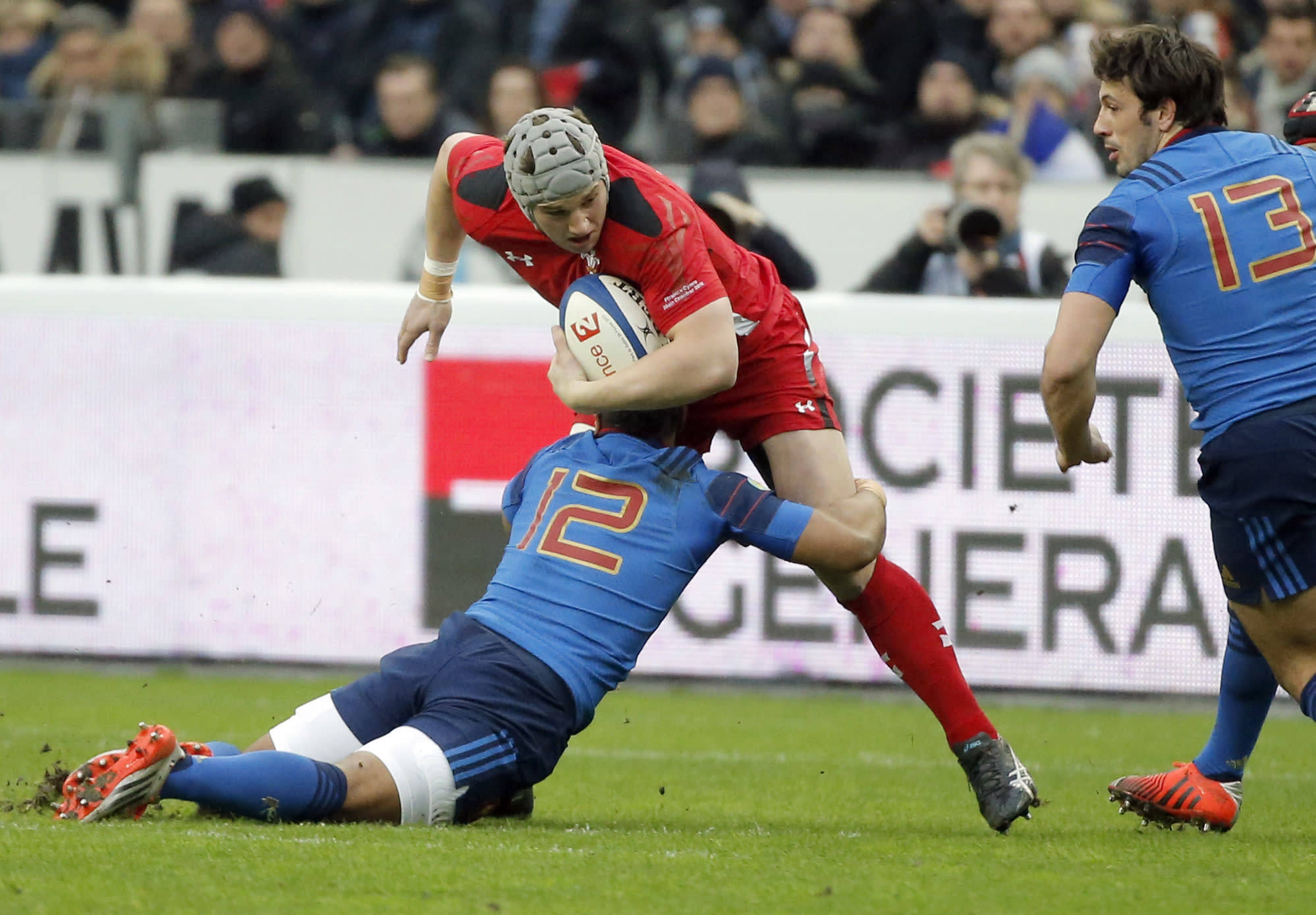6N: Wales wins 20-13 to keep title chance alive