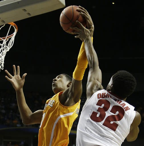 Alabama beats Tennessee 58-48 in SEC quarterfinals