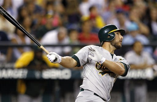 Kottaras, A's get to Hernandez early in 6-1 win