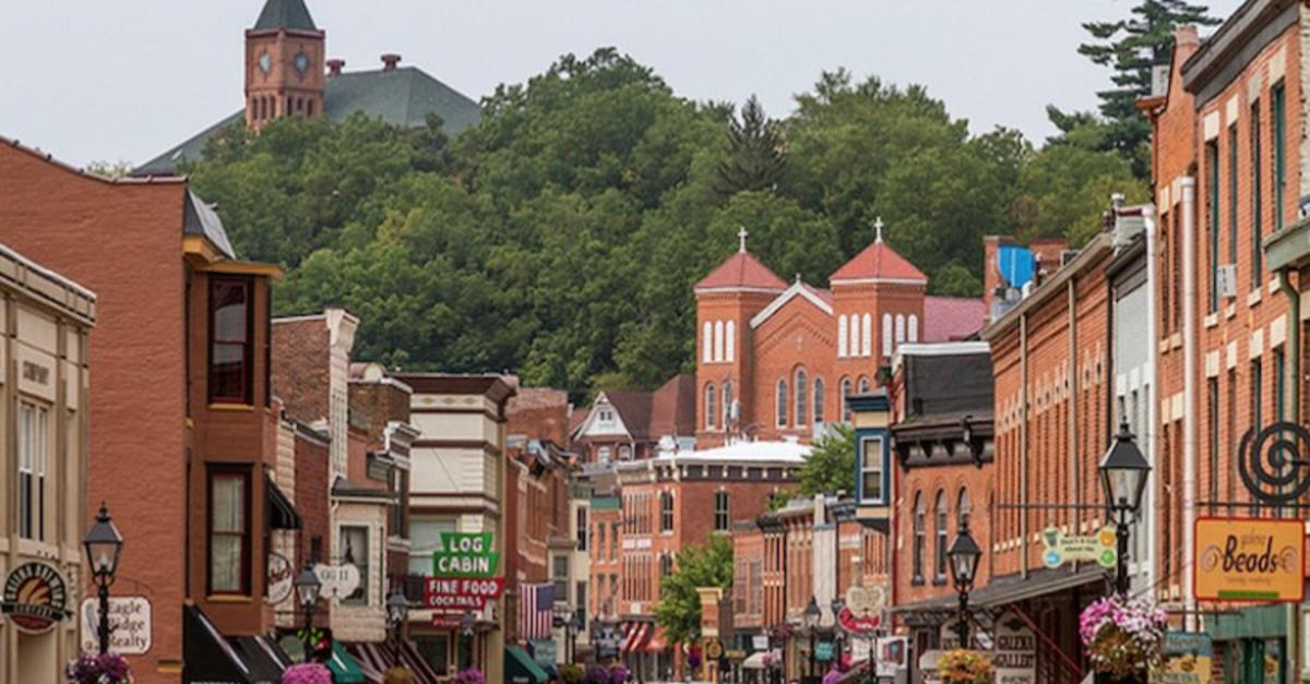 13 Midwestern Towns That Are Hidden Gems