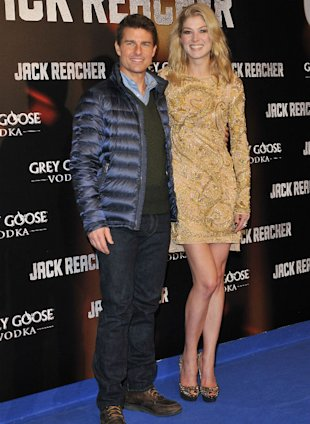 Tom Cruise Is Outshined Yet Again By Rosamund Pike In Glittering Gold Gown At Jack Reacher Premiere