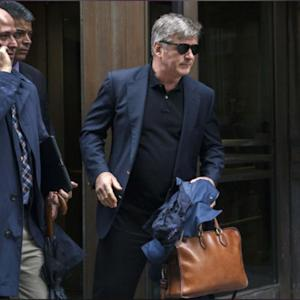 Alec Baldwin Continues To Attack The Paparazzi!