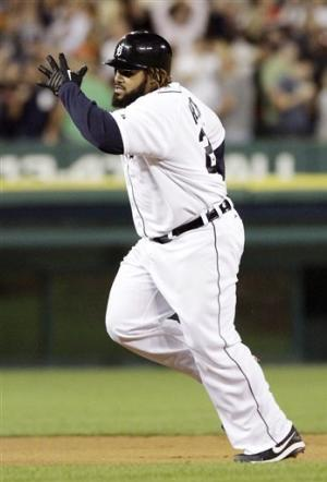 Fielder's 2 HRs help Tigers beat Orioles 5-3