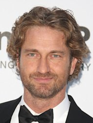 Gerard Butler dating Romanian model/actress