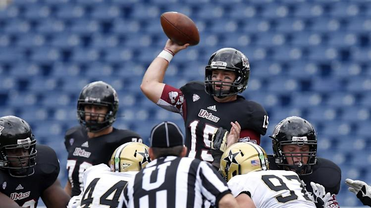 Carta-Samuels leads Vanderbilt past UMass 24-7
